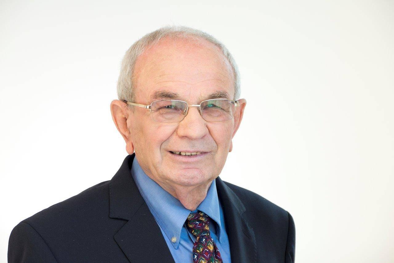 פרופסור אשר מעוז תואר ראשון במשפטים