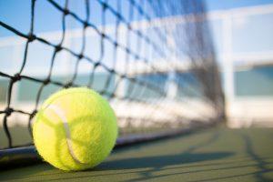 מנהל עסקים וטניס