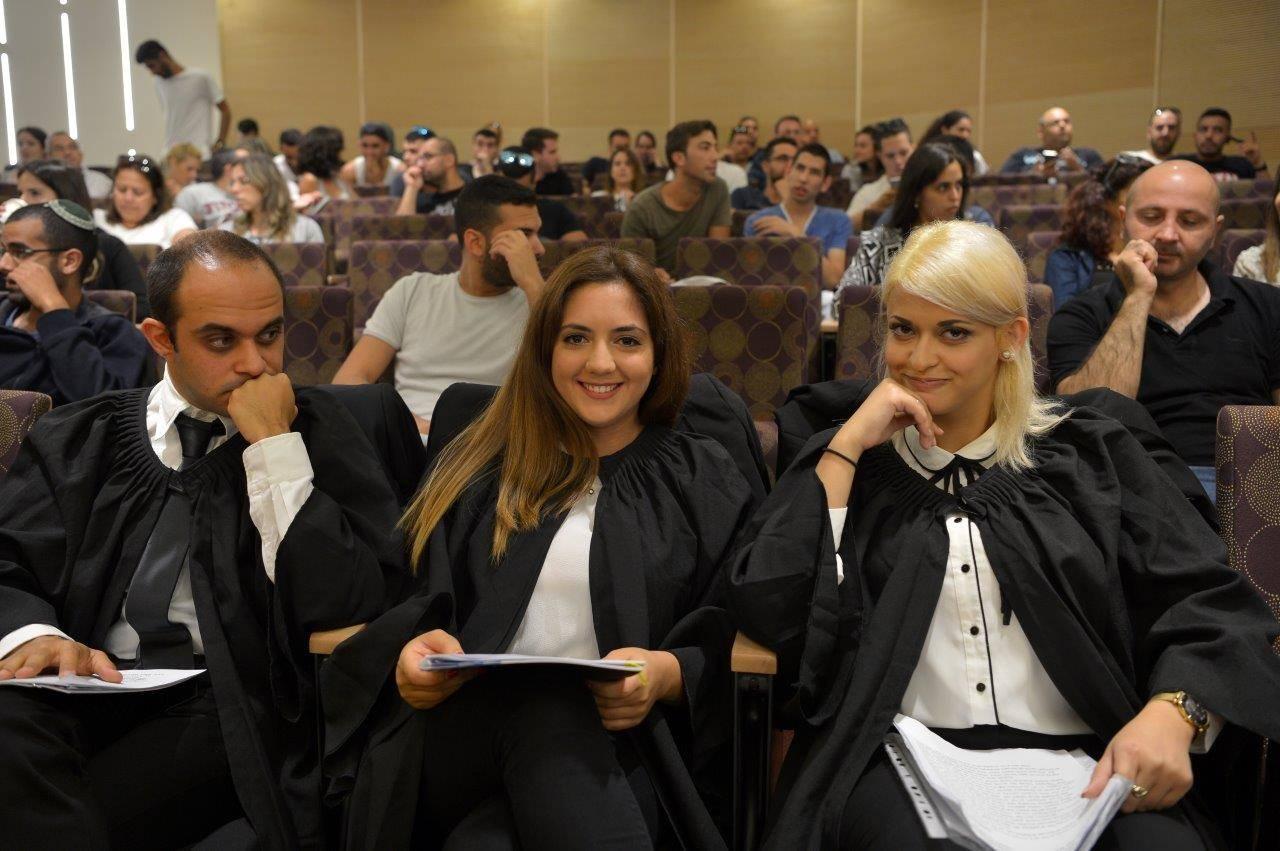 משפט מבוים תואר ראשון במשפטים