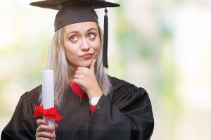 לימודי תעודה או לימודים אקדמיים