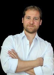 בוגרים מצייצים: אלכס ציסטיאקוב