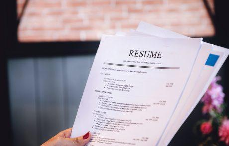 טיפים לבניית קורות חיים: איך לעבור את המיון הראשוני ולמשוך את תשומת לב המעסיקים